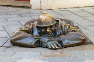 Estatua alcantarila