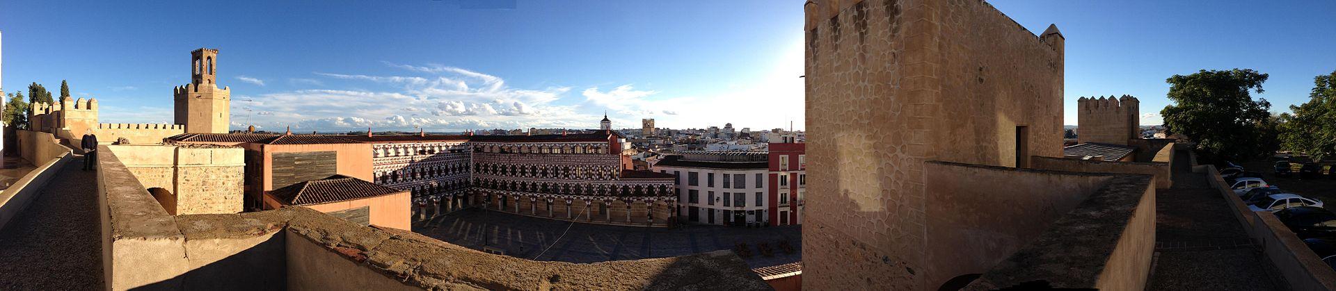 vista_desde_la_alcazaba_de_la_plaza_alta_y_la_ciudad_de_badajoz