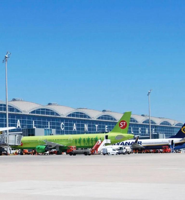 Ofertas de Viajes en la Costa Blanca: Avión para llegar a la Costa Blanca