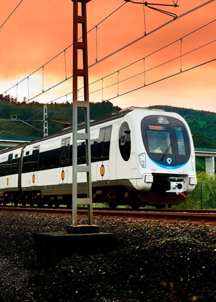 Ofertas de Hoteles en la Costa Vasca: Tren para llegar a la Costa Vasca